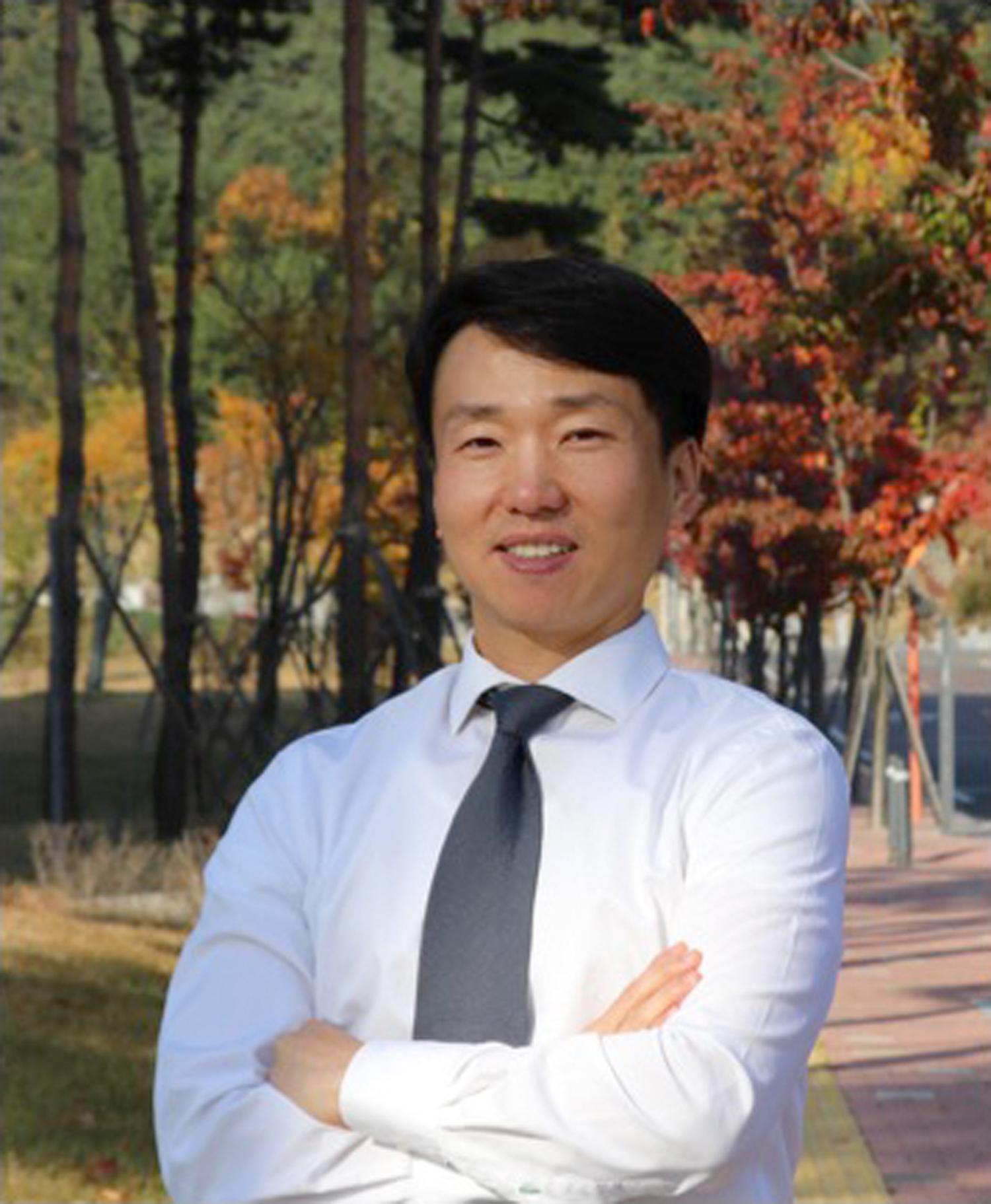 Prof Joosung Lee